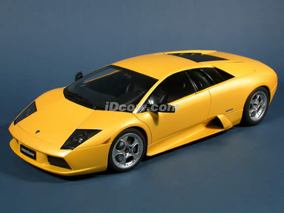 2002 Lamborghini Murcielago diecast model car 1:12 scale die cast by AUTOart - Yellow