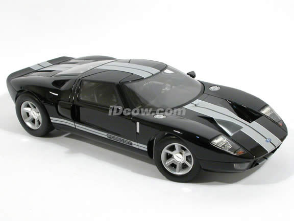 2004 Ford GT diecast model car 1:12 scale die cast by Motor Max - Black