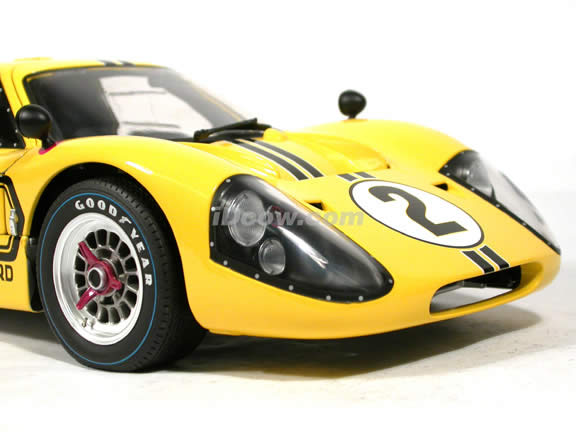 1967 Ford GT 40 MARK IV diecast model car 1:12 scale die cast by GMP
