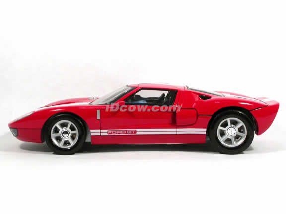 2004 Ford GT diecast model car 1:12 scale die cast by Motor Max - Red 73001