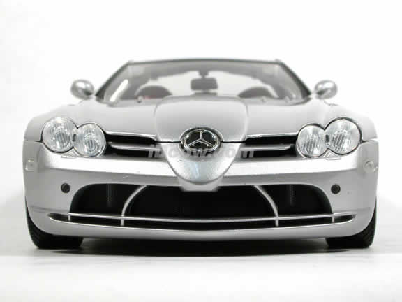 2005 Mercedes Benz McLaren SLR diecast model car 1:12 scale die cast by Motor Max - Silver 73004