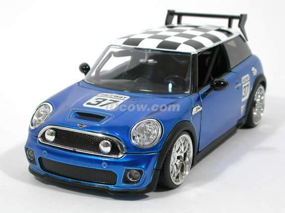 2007 Mini Cooper S diecast model car 1:24 scale die cast by Jada Toys - Blue Racing