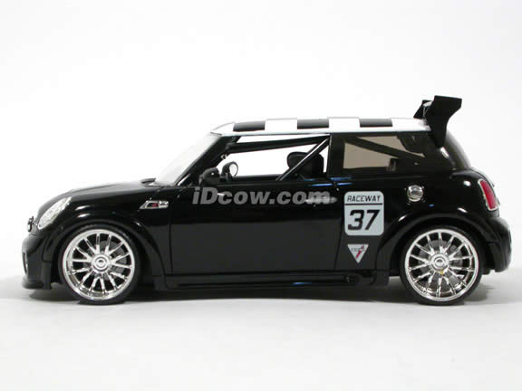 2007 Mini Cooper S diecast model car 1:24 scale die cast by Jada Toys - Black Racing