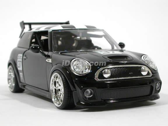 2007 Mini Cooper S diecast model car 1:24 scale die cast by Jada Toys - Black Racing
