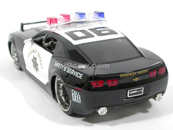 2006 Chevy Camaro Police diecast model car 1:24 scale die cast by Jada Toys - 91823