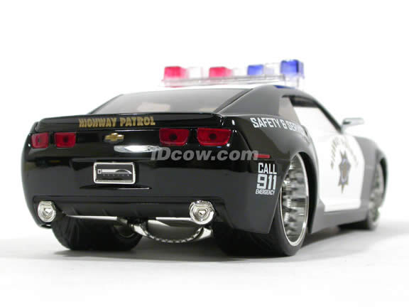 2006 Chevy Camaro Police diecast model car 1:24 scale die cast by Jada Toys - 91823