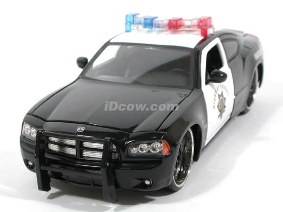2006 Dodge Charger R/T Police diecast model car 1:24 scale die cast by Jada Toys - 91984