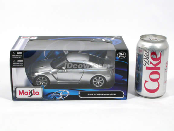 2009 Nissan GT-R diecast model car 1:24 scale die cast by Maisto - Silver 31294