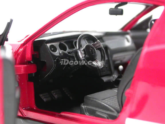 2010 Ford Shelby GT500 Mustang diecast model car 1:24 scale die cast by Shelby Collectibles - Red