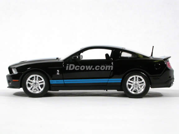 2010 Ford Shelby GT500 Mustang diecast model car 1:24 scale die cast by Shelby Collectibles - Black