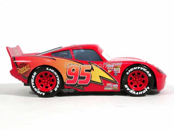 2006 Disney Pixar Cars Lightning McQueen diecast model car 1:24 scale die cast by Mattel - H7092