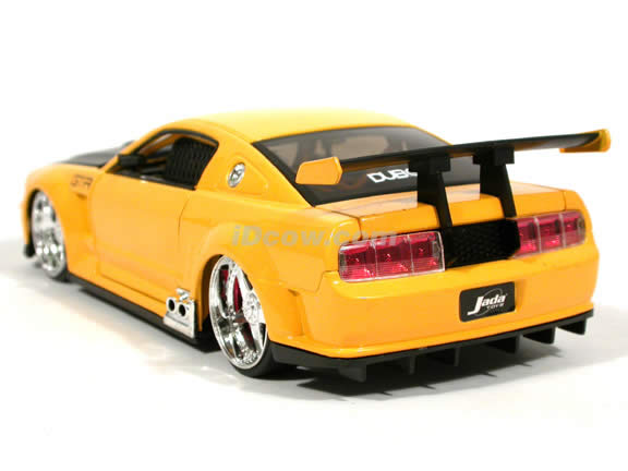 2005 Ford Mustang GT-R Concept diecast model car 1:24 scale die cast by Jada Toys - Yellow