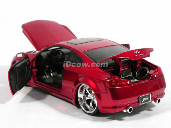 2005 Infiniti G35 diecast model car 1:24 scale die cast by Jada Toys - Candy Apple Red 90287