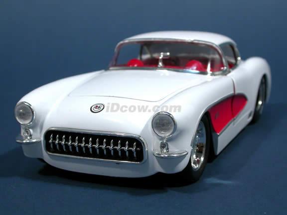 1957 Chevy Corvette diecast model car 1:24 scale die cast by Jada Toys - White 90934