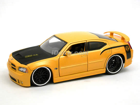 2006 Dodge Charger SRT8 Super Bee diecast model car 1:24 scale die cast by Jada Toys - Yellow 90795