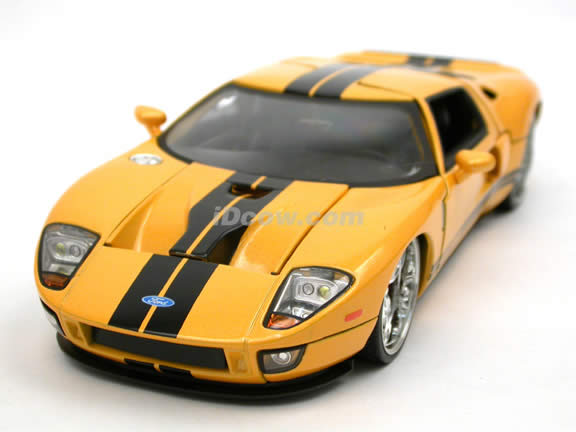 2005 Ford GT diecast model car 1:24 scale die cast by Jada Toys - Yellow 90075