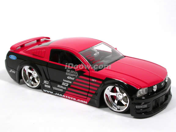 2007 Ford Mustang GT diecast model car 1:24 scale die cast by Jada Toys Option D - Red Black 91175