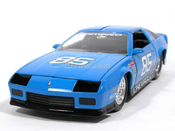 1985 Chevy Camaro IROC-Z #85 diecast model car 1:24 scale die cast by Jada Toys - Blue 91445