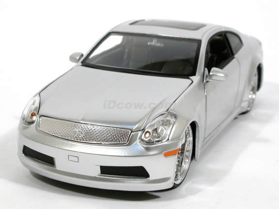 2005 Infiniti G35 diecast model car 1:24 scale die cast by Jada Toys - Silver 53007