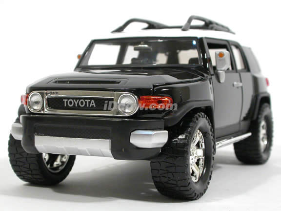 2007 Toyota Fj Cruiser Cast Model Car 1 24 Scale By Jada Toys Black 91848