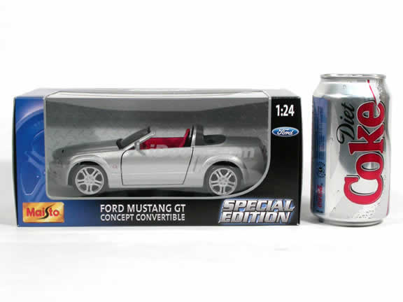 2005 Ford Mustang GT Concept Convertible diecast model car 1:24 scale die cast by Maisto - Silver 31970