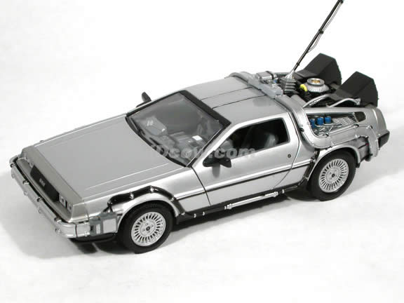 Back to the Future I diecast model car 1:24 scale die cast by Welly