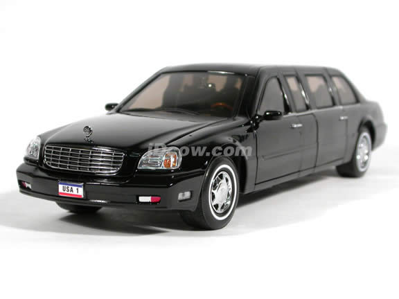 2001 Cadillac DeVille Presidential Limo diecast model car 1:24 scale die cast by Yat Ming