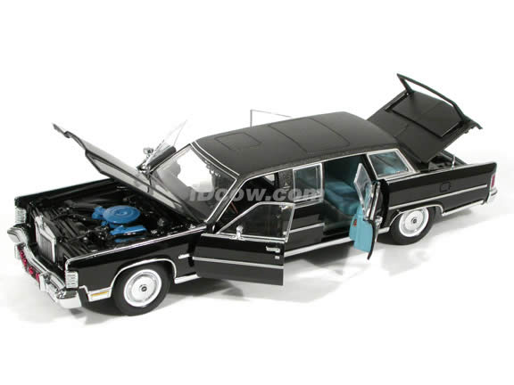 1972 Lincoln Continental Reagan Presidential Limousine diecast model car 1:24 scale die cast by Yat Ming