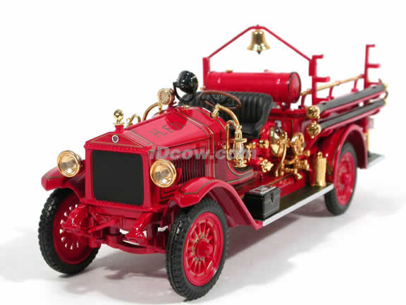 1923 Maxim C-1 Fire Engine diecast model truck 1:24 scale die cast by Signature Yat Ming - 20118