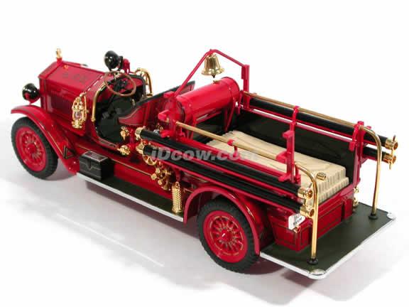 1923 Maxim C-1 Fire Engine diecast model truck 1:24 scale die cast by Signature Yat Ming - 20118