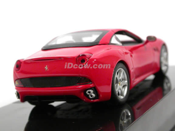 2009 Ferrari California diecast model car 1:43 scale die cast by Hot Wheels - Red N5592