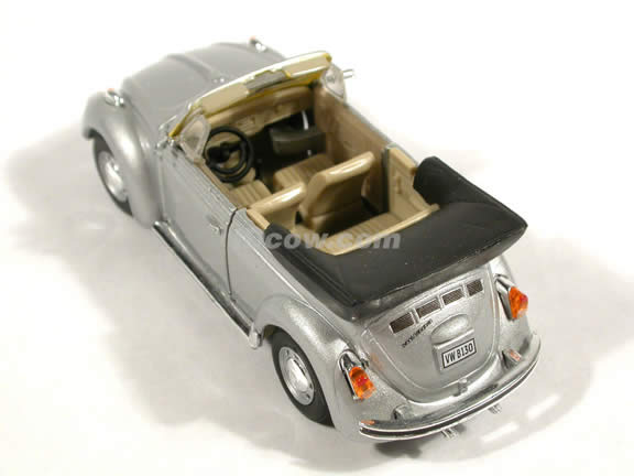 1970 Volkswagen Beetle Cabriolet diecast model car 1:43 scale die cast by Hongwell - Silver