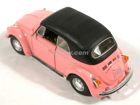 1970 Volkswagen Beetle Cabriolet diecast model car 1:43 scale die cast by Hongwell - Pink