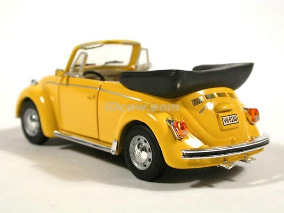 1970 Volkswagen Beetle Cabriolet diecast model car 1:43 scale die cast by Hongwell - Yellow