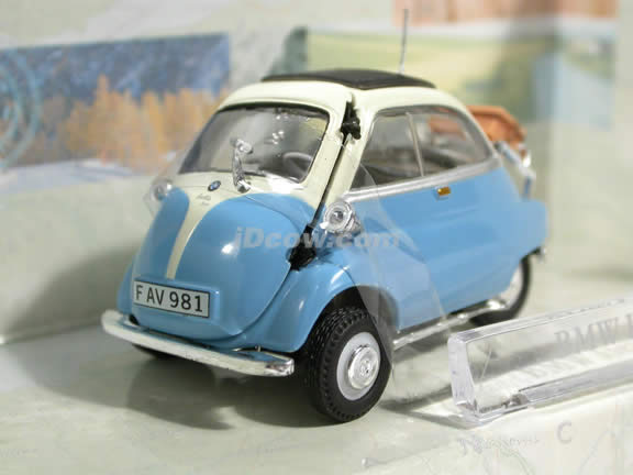 1958 BMW Isetta 250 diecast model car 1:43 scale die cast by Hongwell Cararama - Light Blue