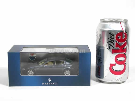 2004 Maserati Quattroporte diecast model car 1:43 scale die cast by ixo - Blue MOC038