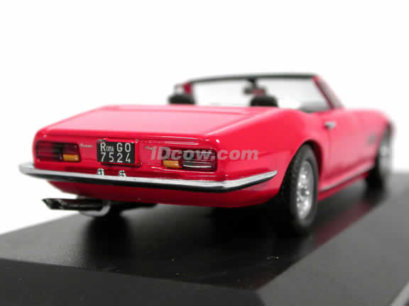 1971 Maserati Ghibli Spyder diecast model car 1:43 scale die cast by ixo - Red CLC052