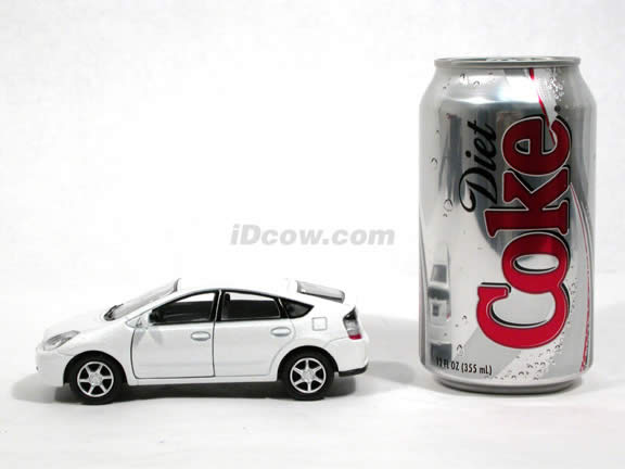2006 Toyota Prius diecast model car 1:34 scale by Kinsmart - White