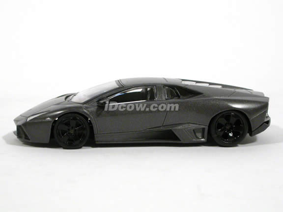 2008 Lamborghini Reventon diecast model Car 1:43 scale die cast by Mondo Motors - 530786