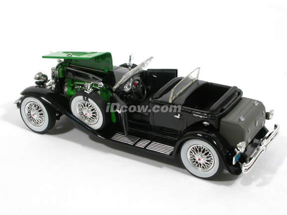1934 Duesenberg diecast model Car 1:32 scale die cast by Signature Models - Black Green 32310