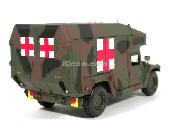 Humvee Military Ambulance Hummer diecast model car 1:43 scale die cast by Sun Star A Model