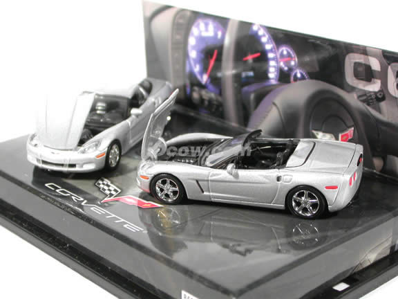 2005 Chevrolet Corvette Coupe and Convertible diecast model cars 1:64 scale diecast by Hot Wheels - Silver