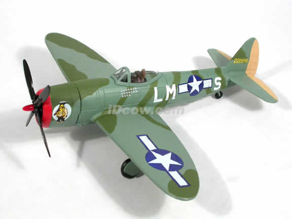 WWII P-47D Thunderbolt diecast airplane model 1:48 scale die cast from Yat Ming - Green