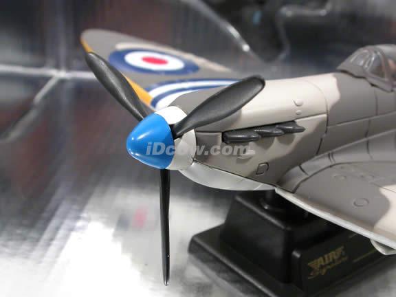 WWII Spitfire Mark V diecast airplane model 1:48 scale die cast from Yat Ming - Warm Grey Flag 99088