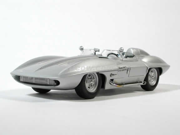 1959 Stingray Concept Corvette diecast model car 1:18 scale die cast by AUTOart - Silver