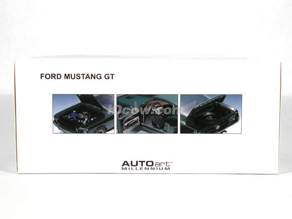 1968 Ford Mustang diecast model car 1:18 scale GT 390 by AUTOart - Green