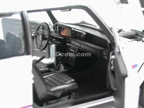 1971 BMW 2002 Turbo diecast model car 1:18 scale by AUTOart - White