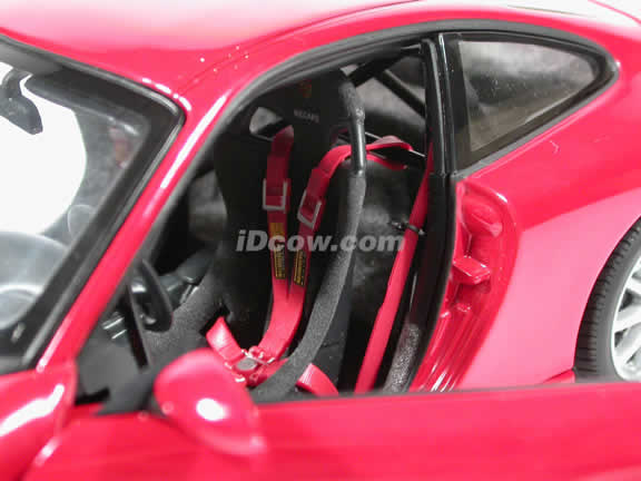 2000 Porsche 911 GT3 diecast model car 1:18 scale by AUTOart - Red