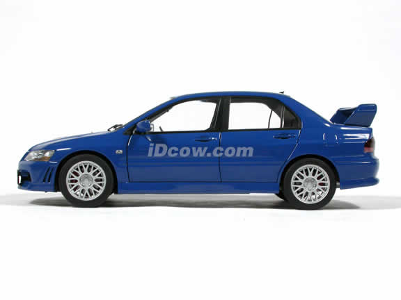 Mitsubishi Lancer EVO VII diecast model car 1:18 scale by AUTOart - Blue