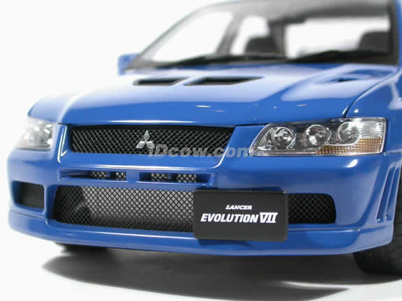Mitsubishi Lancer EVO VII diecast model car 1:18 scale by AUTOart - Blue